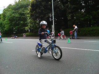 神宮外苑の自転車教室